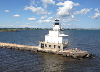 Visit Door County Wisconsin Manitowoc Breakwater Light